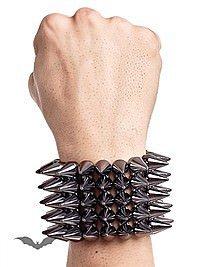 Nieten-Armbänder (17 Artikel)